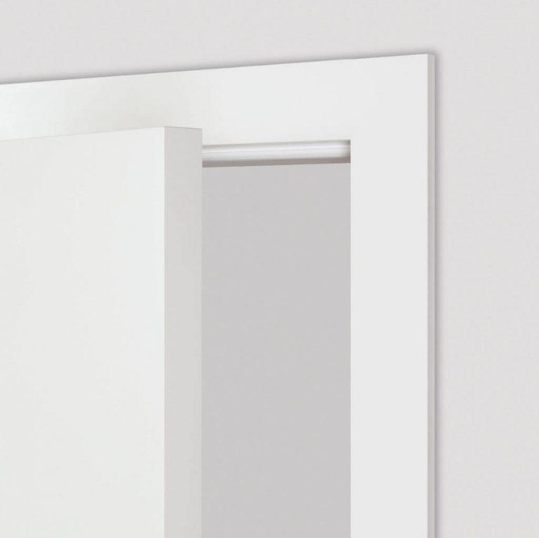 Stumpf eingeschlagene Tür geöffnet