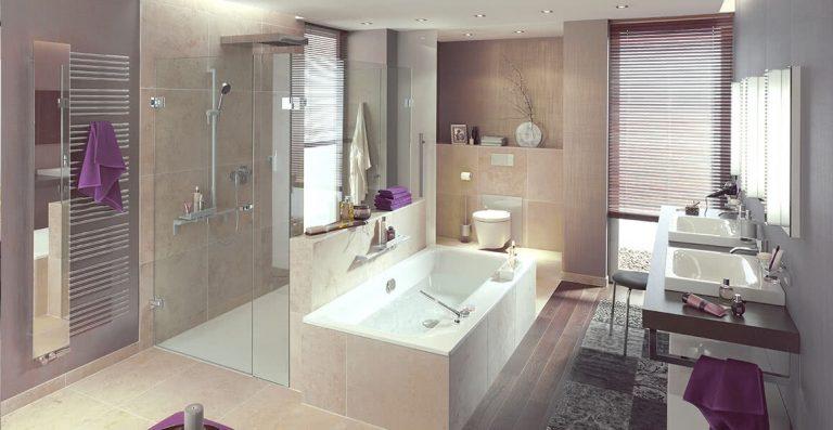 Duschsysteme mit Drehtür
